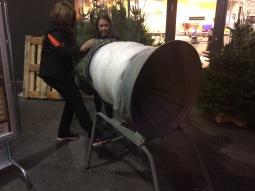 La màquina embaladora d'arbres de Nadal