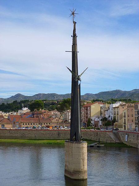 450px-tortosa_-_monumento_a_la_batalla_del_ebro_2