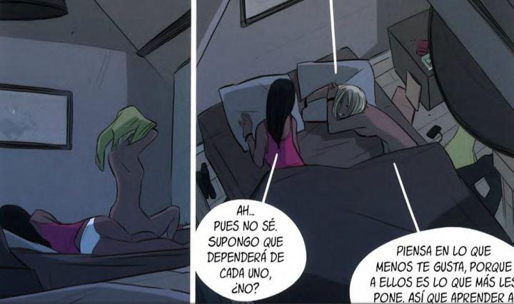 Les dues noies protagonistes són juntes al llit parlant de sexe abans d'anar a dormir.